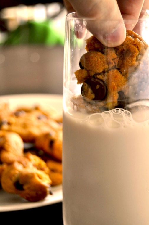 Almond Milk and Vegan Cookies