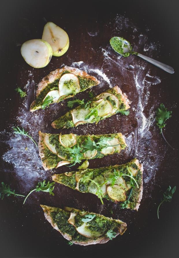 Green Pear Flatbread Pizza | plantcrush.co