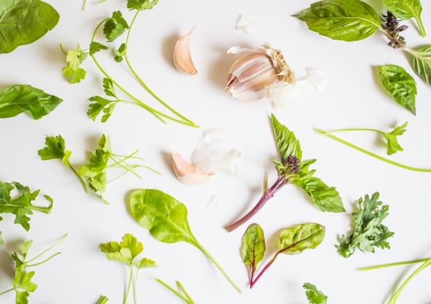 Green up your tofu scramble! Recipe via plantcrush.co!