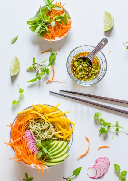 Tropical Edamame Noodle Bowl | plantcrush.co