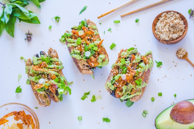 Kimchi 'Bella Burgers | plantcrush.co