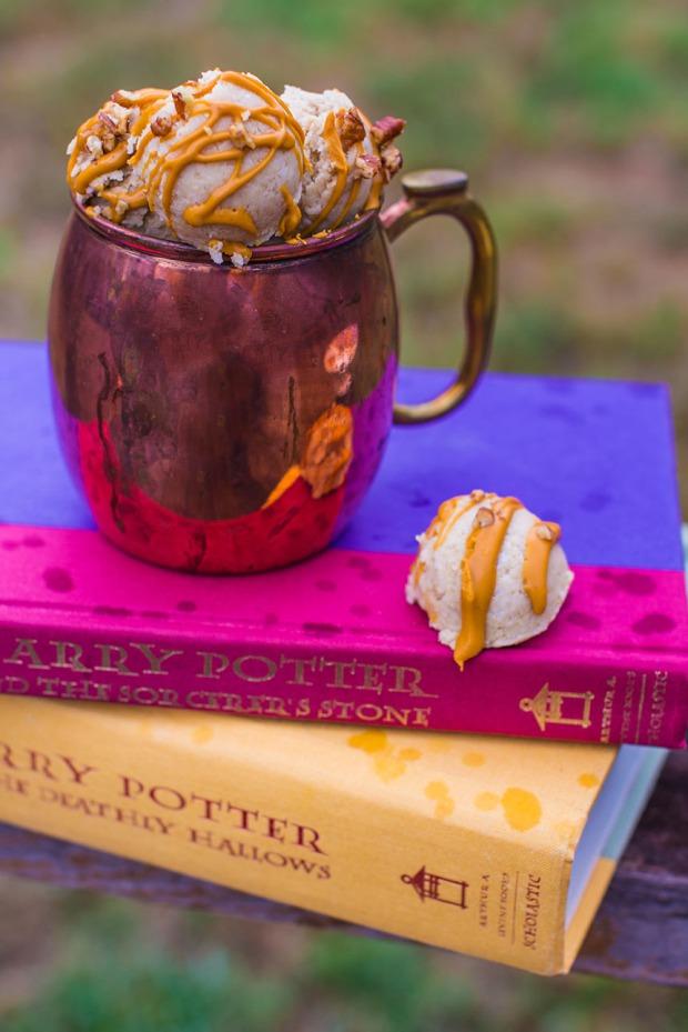 Harry Potter Butterbeer Macaroons | plantcrush.co